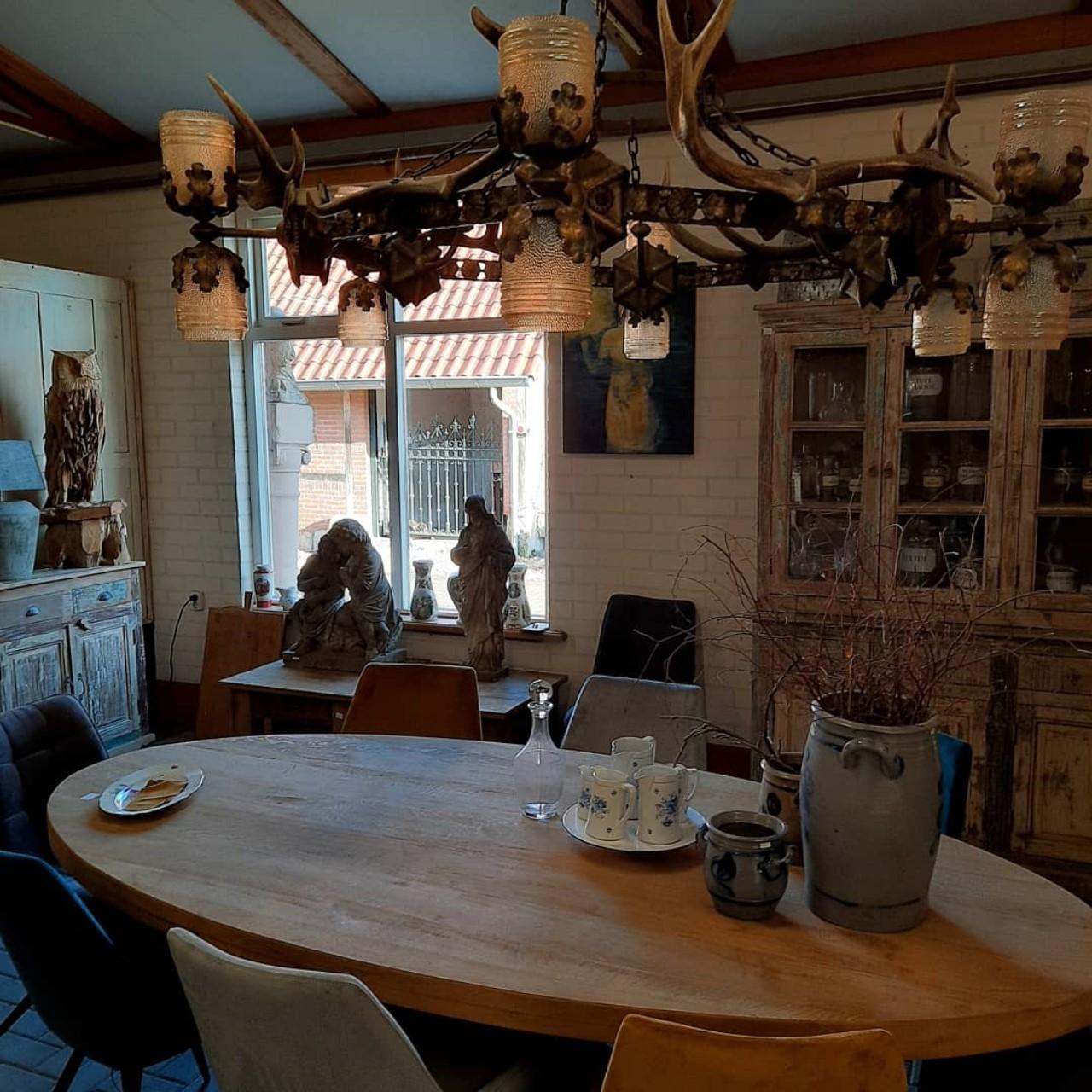 Oud eiken ovale tafel